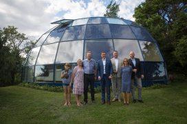Peaminister Taavi Rõivas külastamas keramaja 2016. aastal